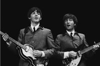 John Lennon (vpravo) a Paul McCartney
