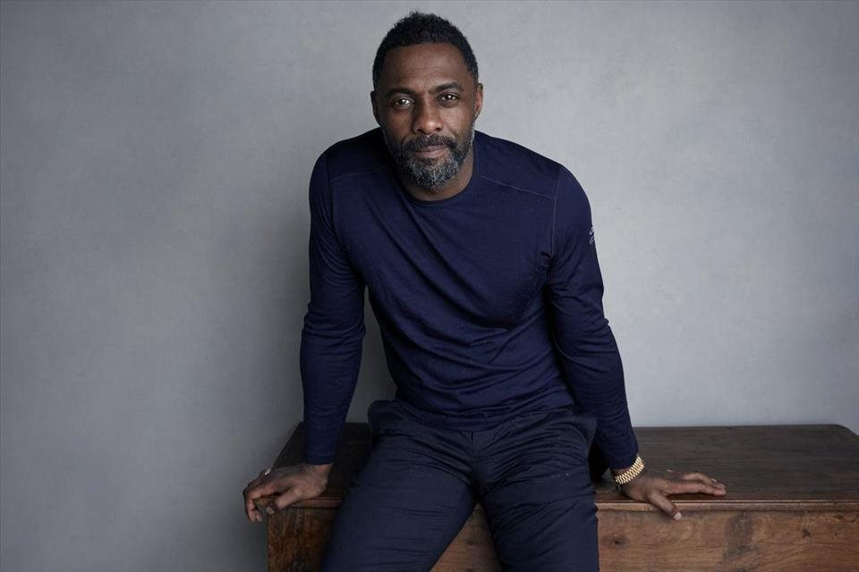 Idris+Elba+si+zahr%c3%a1+v+komedi%c3%a1lnej+s%c3%a9rii+Turn+Up+Charlie