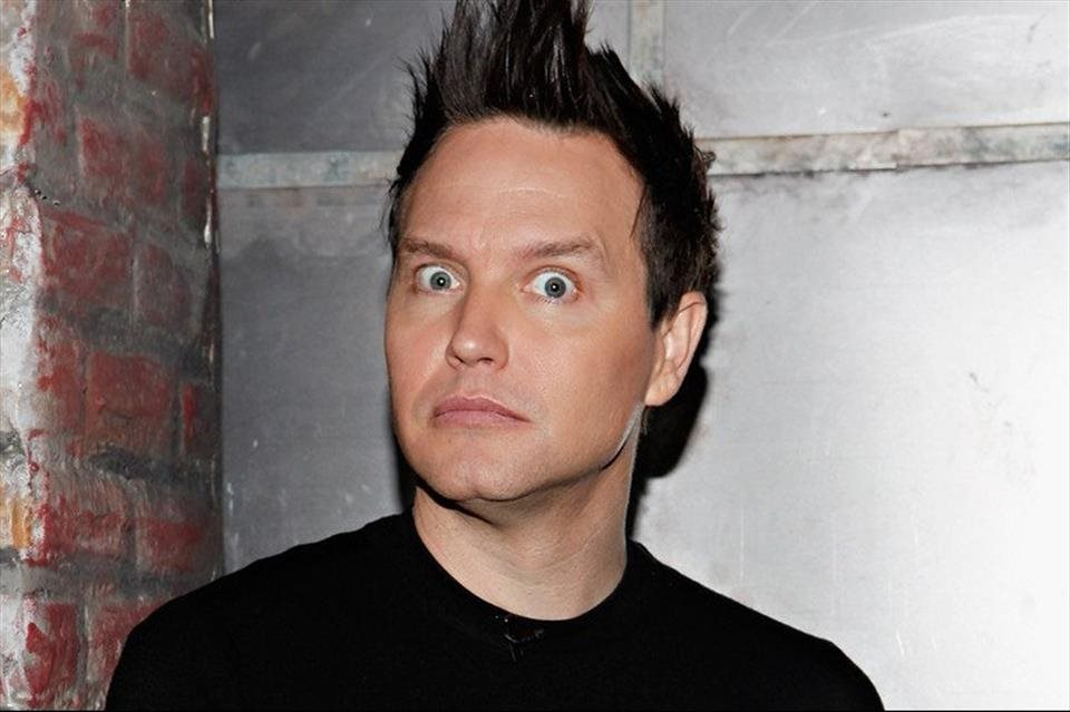 Mark+Hoppus+zverejnil+VIDEO+z+nahr%c3%a1vania+albumu+Blink-182