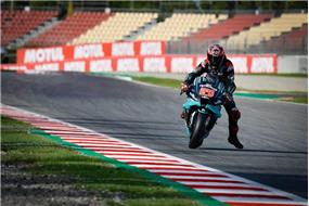 Quartararo+je+sp%c3%a4%c5%a5+na+%c4%8dele+%c5%a1ampion%c3%a1tu%2c+Rossi+spadol+v+s%c3%baboji+o+v%c3%ad%c5%a5azstvo