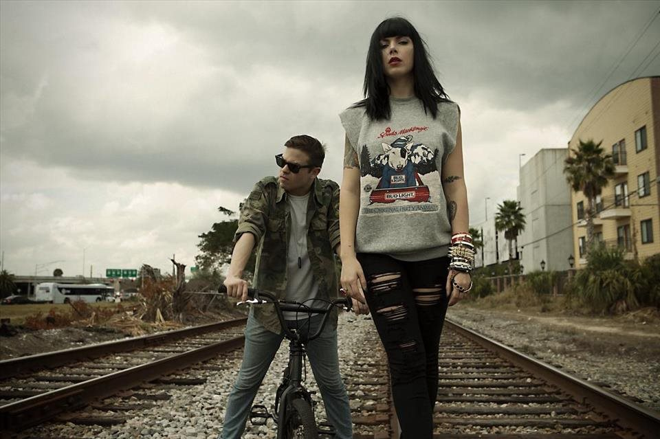 Sleigh+Bells+predstavili+VIDEOklip+ku+skladbe+It%e2%80%99s+Just+Us+Now