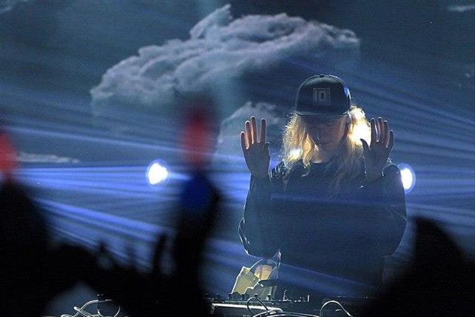 VIDEO+Cashmere+Cat+a+The+Weeknd+nahrali+piese%c5%88+Wild+Love