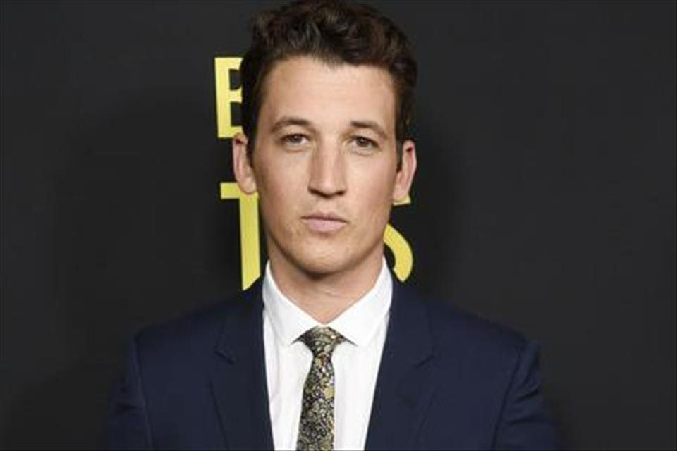 VIDEO+Herec+Miles+Teller+sa+predstav%c3%ad+v+seri%c3%a1li+Too+Old+To+Die%c2%a0Young